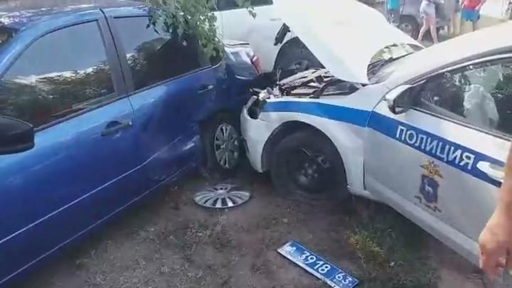 Он летел! В Самарской области патрульная машина ДПС устроила столкновение с тремя автомобилями