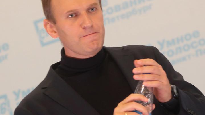Скандал в благородном семействе: Навальный спутал методички по Сафронову и вызвал ярость оппозиции