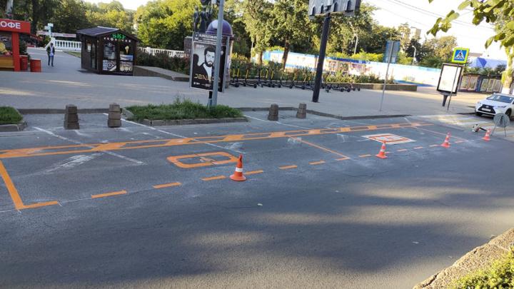 Ростовские власти прокомментировали закрытие парковок из-за велодорожек на Пушкинской