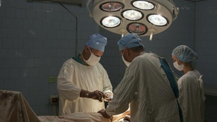 Двое мужчин попали в краевую клиническую больницу Читы после ночной перестрелки