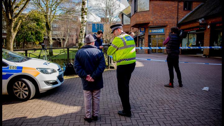 Британский дипломат проанализировал записи камер в Солсбери и поймал Скотленд-Ярд на лжи