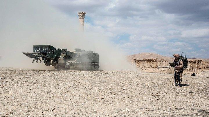 Не верьте, вам врут: Российских солдат закидали камнями и ботинками в Сирии