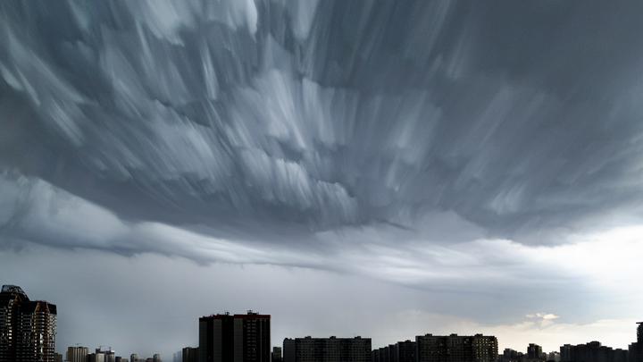 На Владимирскую область ураган из Твери несет торнадо