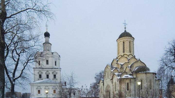 Там открыли лофт и модный бар: Патриарх Кирилл попросил передать Церкви часть Спасо-Андроникова монастыря