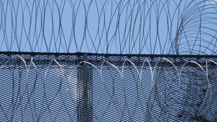 В Одессе горит исправительная колония, заключённые разбежались - Думская