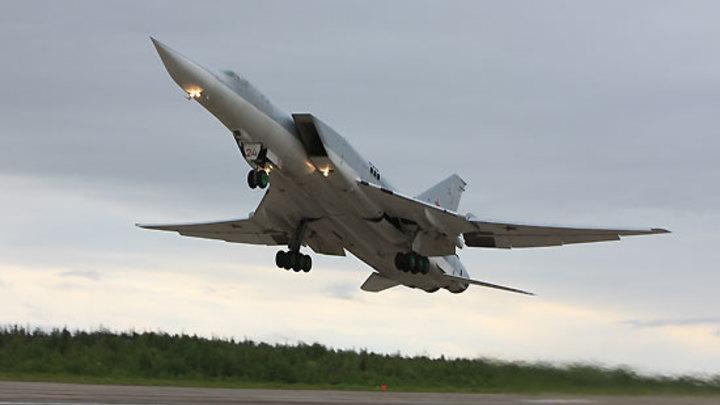 Это абсолютно новый убийца авианосцев: Военный эксперт о сюрпризах бомбардировщика Ту-22М3М для ВМФ США