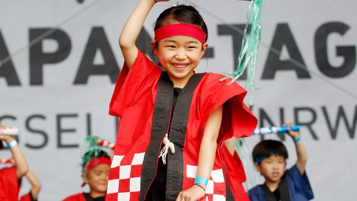 Непослушных детей запретят не только шлёпать, но и стыдить - японские СМИ
