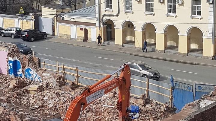 «Это детский сад». Застройщик отрицает снос дома ради нового ЖК в центре Петербурге