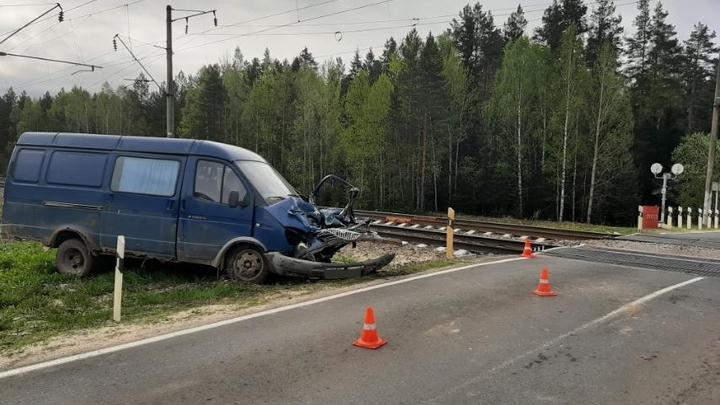 Во Владимирской области пьяный водитель на «Газели» столкнулся с поездом