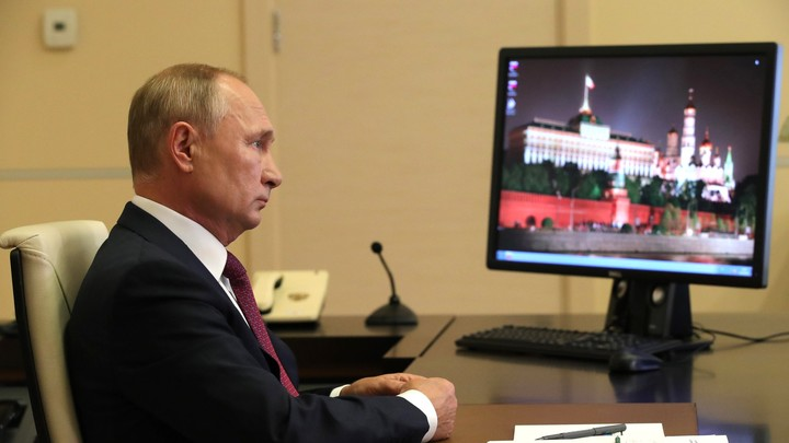 Аварийного жилья многовато: Путин сделал замечание главе Бурятии