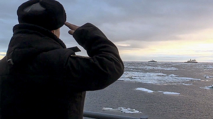 Военные встали на защиту Севморпути