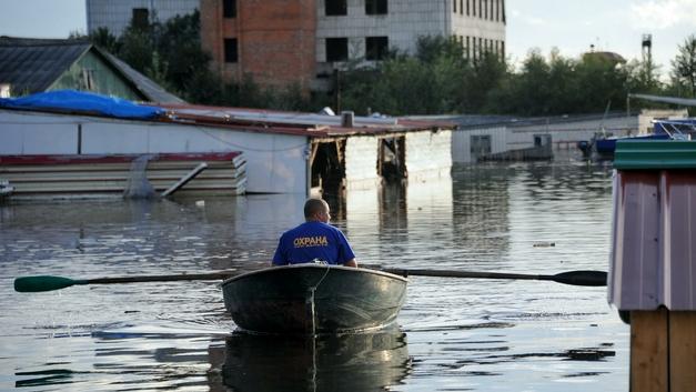 В Приморье паводок затронул уже три района и сотни домов