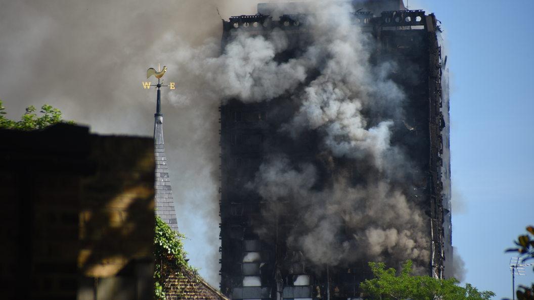 Эксперты прогнозируют рост числа жертв при пожаре в лондонском доме