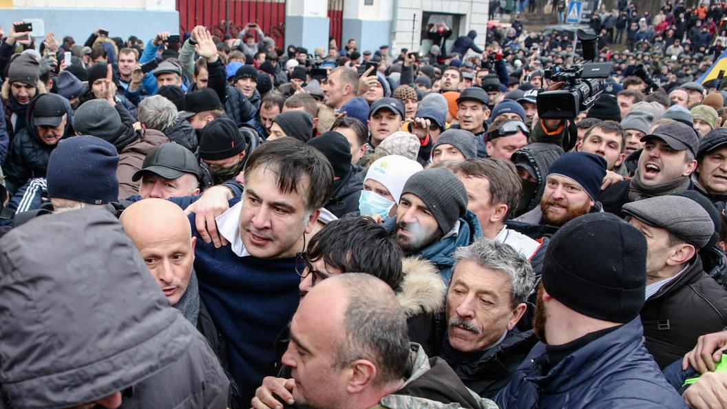 США призвали Порошенко разрядить обстановку после задержания Саакашвили