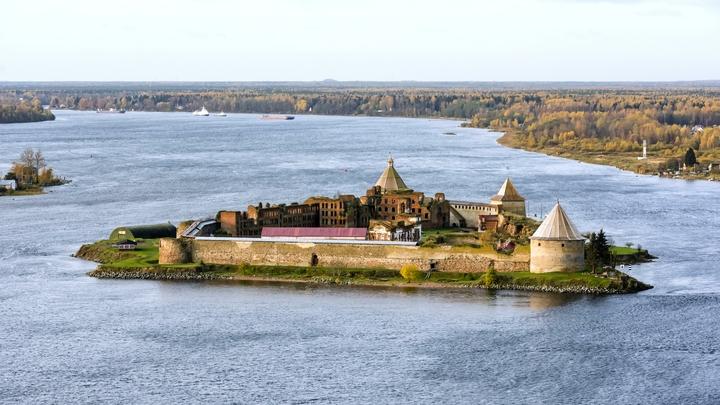 Из Санкт-Петербурга в крепость Орешек запустили «Метеор»