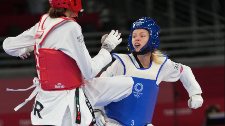 Настраивалась на золото: Тхэквондистка Минина завоевала ещё одно серебро для России