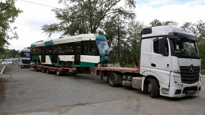 В Челябинск привезли два трамвая с кондиционерами и Wi-Fi