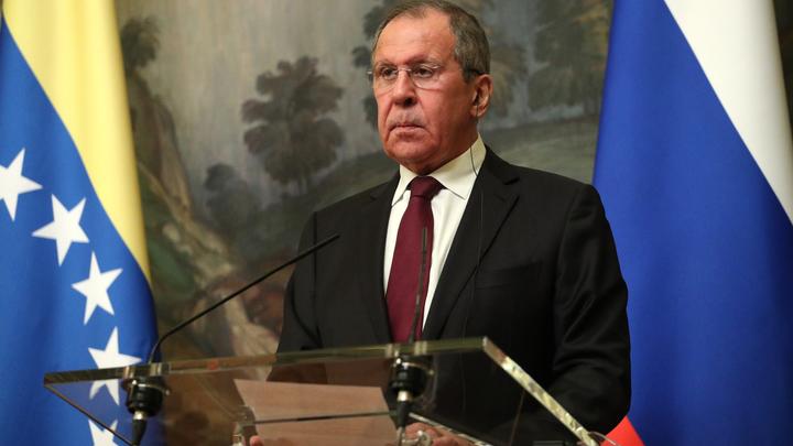 Лавров признался, что пытался научить Помпео пользоваться дипломатией вместо авианосцев