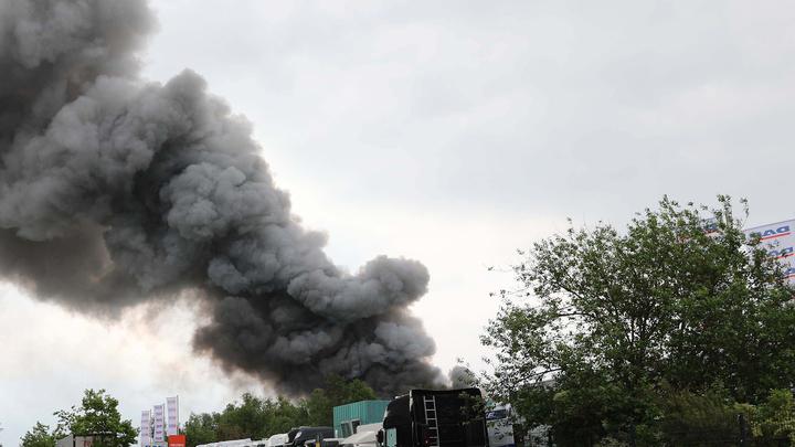 11 сентября по-саудовски? Атака беспилотников вызвала взрывы и пожар на крупнейшем НПЗ в мире в Саудовской Аравии - СМИ