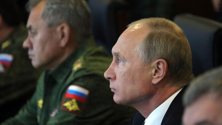 Путин рассказал о личном опыте разведчика в большой политике
