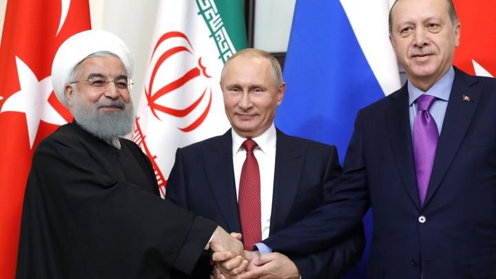 В Сирии должны быть созданы условия для массового возвращения беженцев — Путин