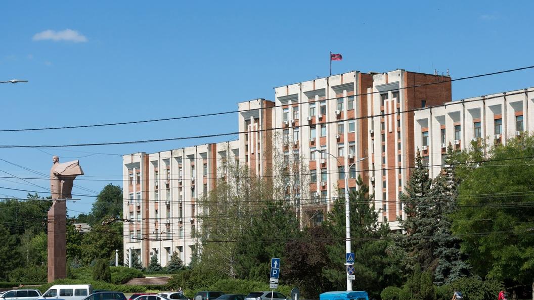 Правительство Молдавии хотят наполовину разогнать