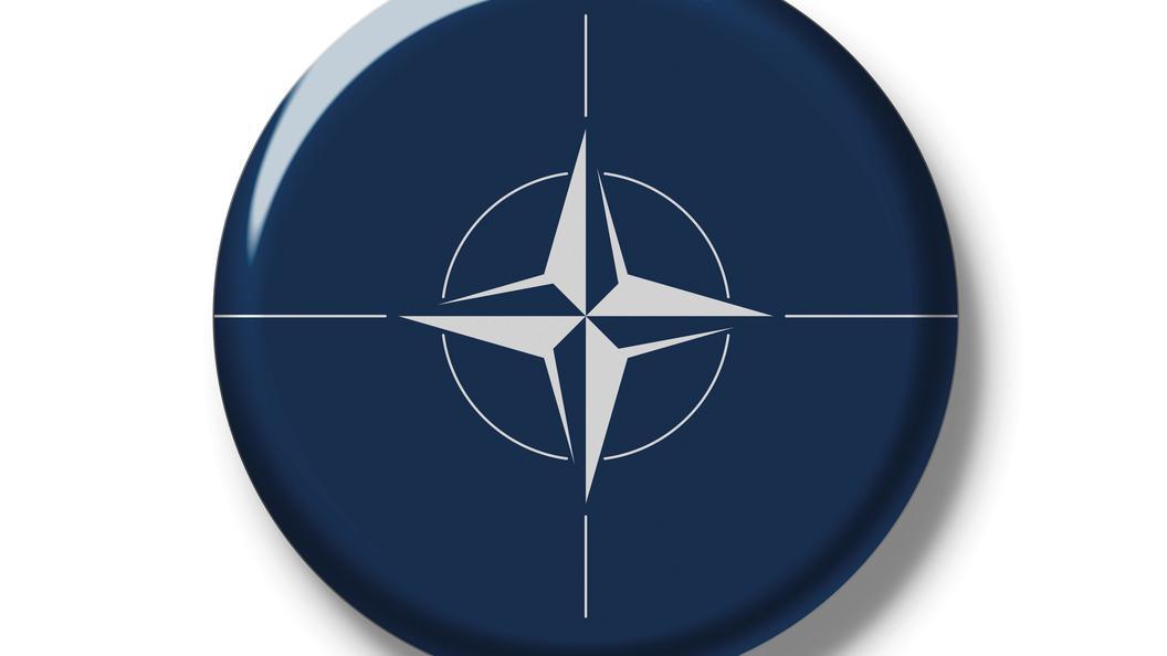 А страшно только полякам: Американский самолет нагнетает истерию у российских границ