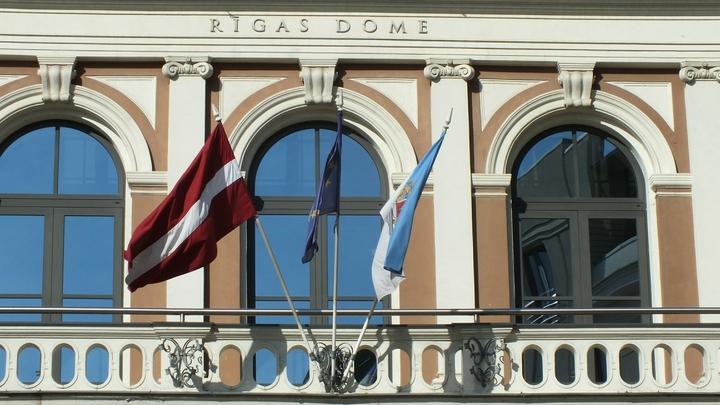 «Вроде не воруешь, но становишься миллионером»: Латвию навали полумафиозной страной