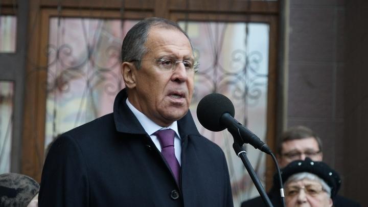 Лавров на открытии доски послу Карлову: Герой России не будет забыт