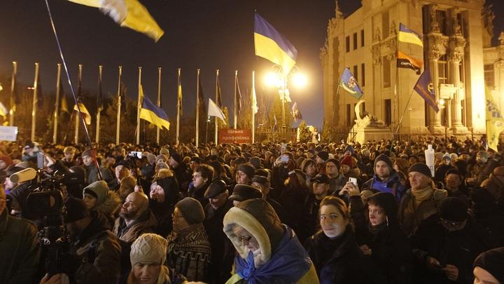 На Украине приготовились свергать Зеленского: На майдане ждут только конференции нормандской четвёрки
