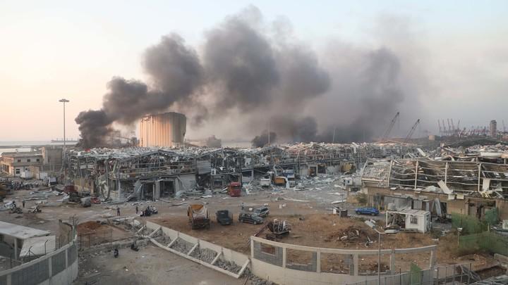 Версия о причастности Израиля к взрыву в Бейруте ещё в силе: Зачем это нужно?