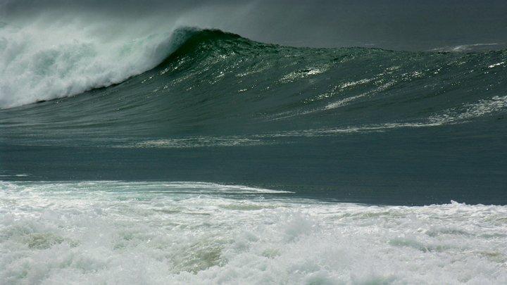 В Индийском океане погибает участник одиночной кругосветной регаты