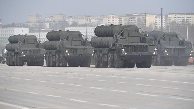Российская армия досрочно получила новый полк С-400