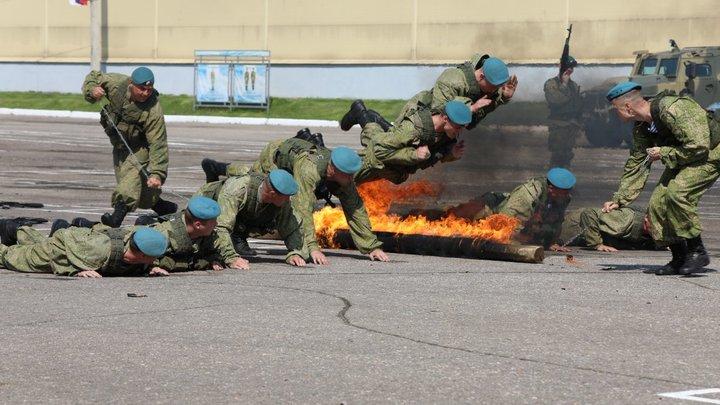В Подмосковье во время выступления ко Дню ВДВ пострадали двое военных