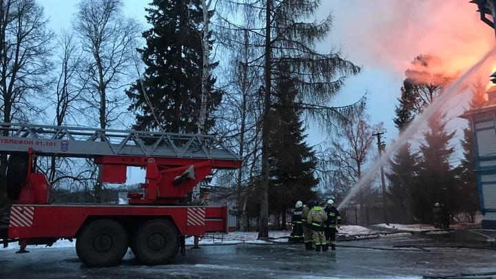 В Ленинградской области горит Детский пульмонологический санаторий