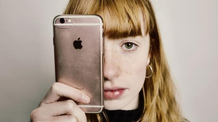Телефоны HuaweiиApple будут работать, но не обновляться: Аналитики предрекают дефицит смартфонов
