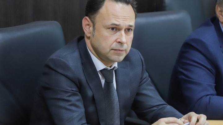 Латать дороги в Ростове-на-Дону сити-менеджер отправил своего первого зама