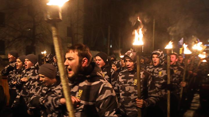 «Правосеки» организовали в Донбассе центр подготовки боевиков: обучение проходят 800 радикалов