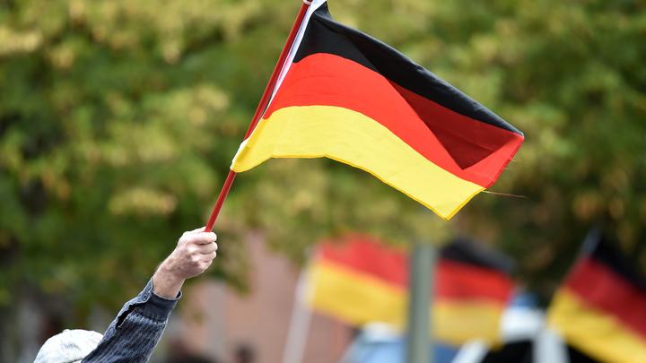 Спокойно ставят визы: В бундестаге возмутились, что жители ДНР едут в Германию с российским паспортом