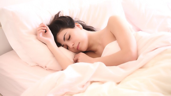 Нехватка сна приводит к обезвоживанию, заявили ученые