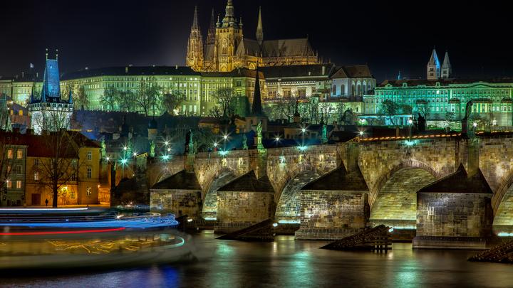 Чехия предложила место для встречи Путина и Байдена