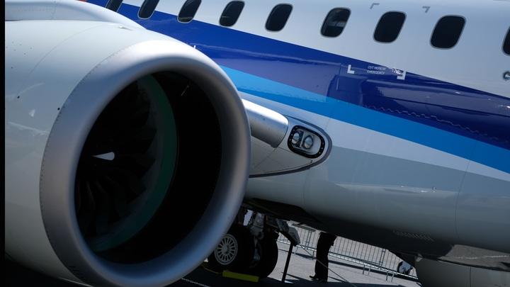 Минтранс запрещает брать всалон самолета телефоны, ноутбуки и верхнюю одежду