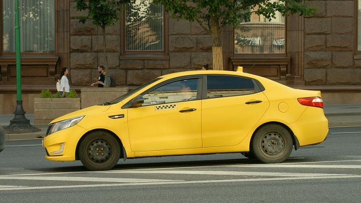«Следил за передвижениями военных»: На Кубани пойман украинский шпион-таксист - ФСБ