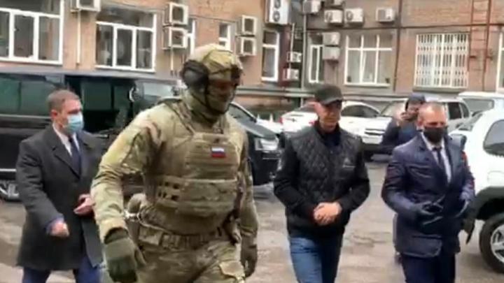 Коллекция корочек не спасла почти президента: О чём умолчал Навальный в деле Быкова