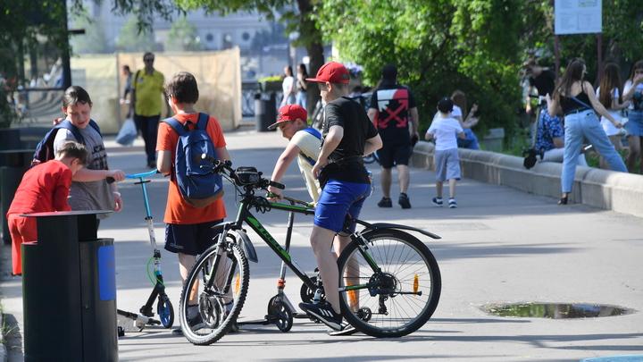 Агрессивный дед угрожал подростку и отобрал у него велосипед в Екатеринбурге