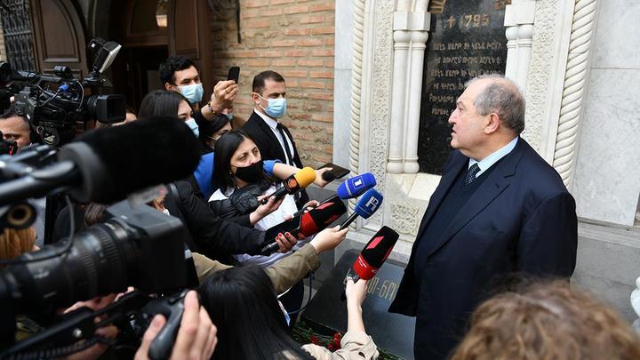 Президент Армении  назвал себя советским человеком после визита в Тбилиси