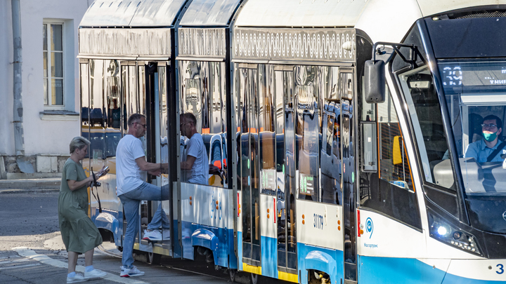 В Екатеринбурге по улице Бориса Ельцина будет ходить трамвай