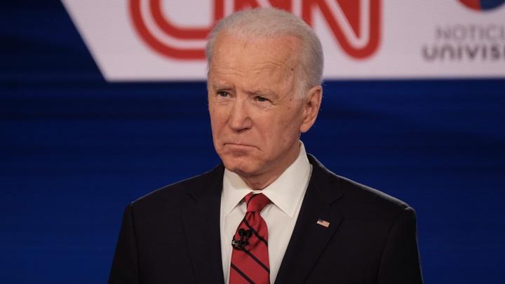В США новый раскол: Байден разругался с демократами из-за наркотиков