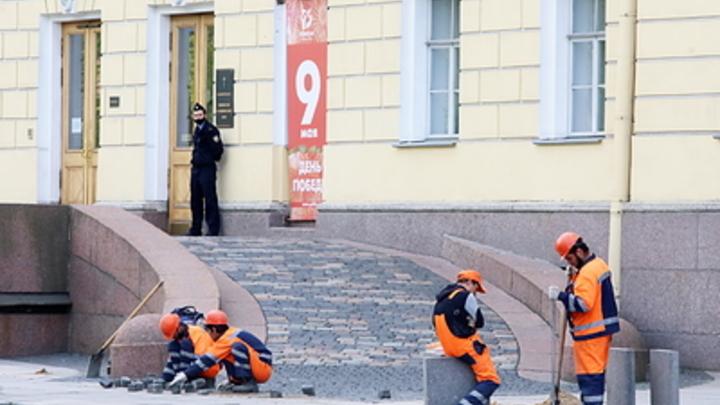 Властям Москвы выгодно брать на работу мигрантов и гнать русских. Это коррупционная схема