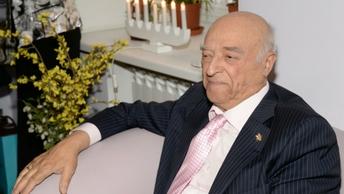 Экс-главе Нацбанка Абхазии грозит арест за обман Владимира Этуша
